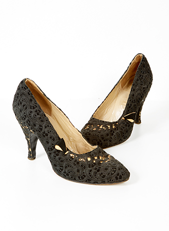 Vintage brocade shoes in black