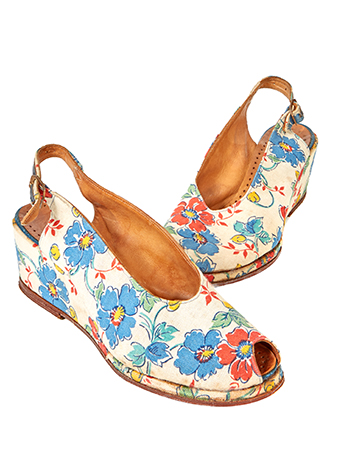 Vintage canvas floral summer shoes